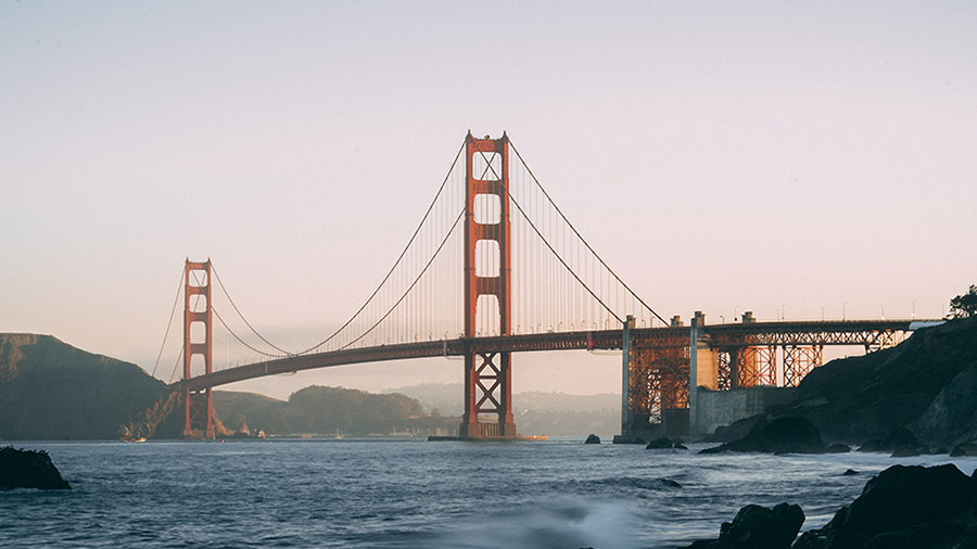 Photo of the Golden Gate bridge and the San Francisco bay